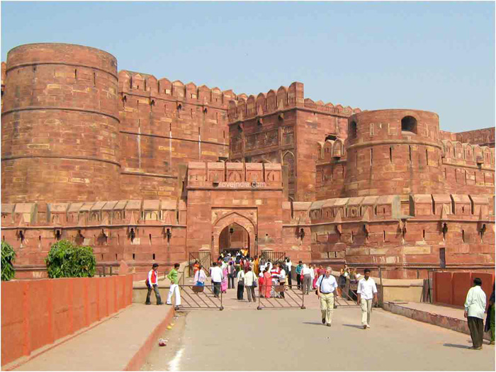 agra city How to reach by air - agra's kheria airport is located at a distance of 125 kilometers from the city center the airport is a seasonal commercial airport which serve only air india flights from new delhi.